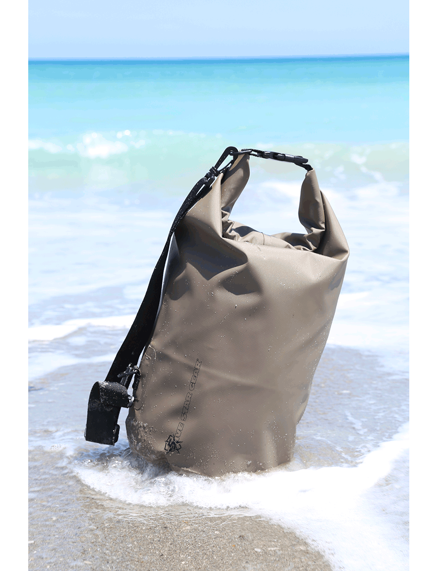 RIVER'S EDGE 30L WATERPROOF DRY BAG